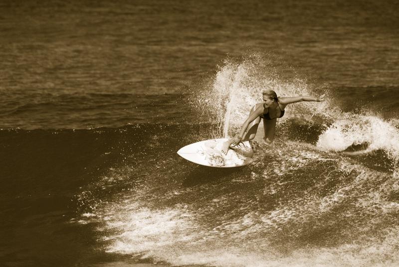 Surf Tres Sirenas Beach Inn